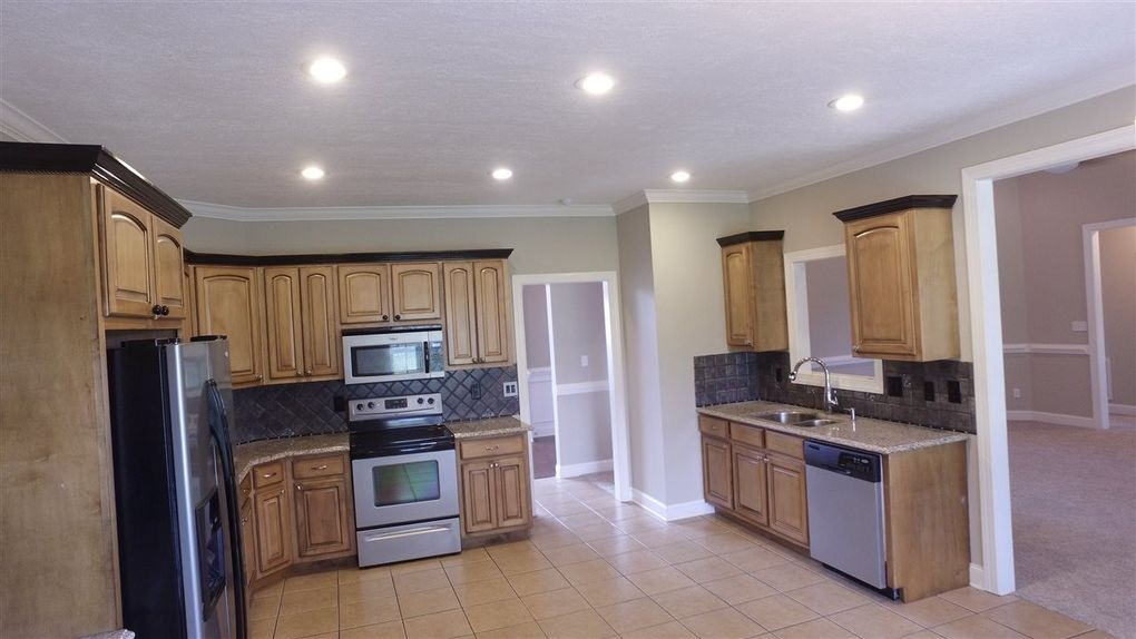 Kitchen Cabinets Jackson Tn 30 gatewick dr, jackson, tn 38305 - realtor®