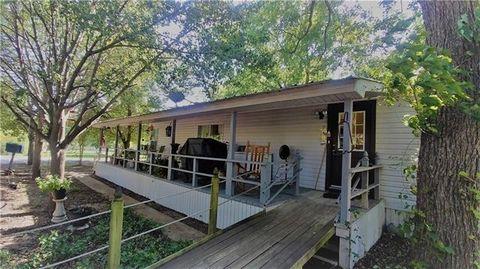 Photo of 251 Oak Trail Dr, Gordonville, TX 76245