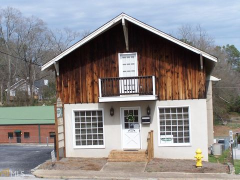 Photo of 78 Washington St, Jefferson, GA 30549