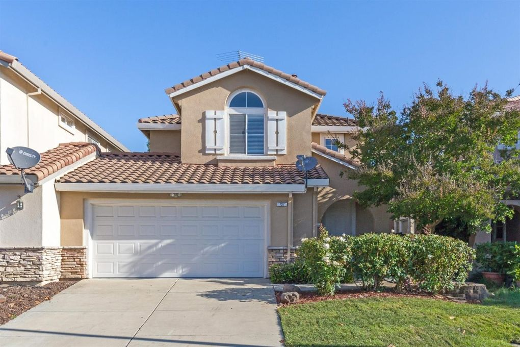 727 Saint Michael Pl, Morgan Hill, CA 95037