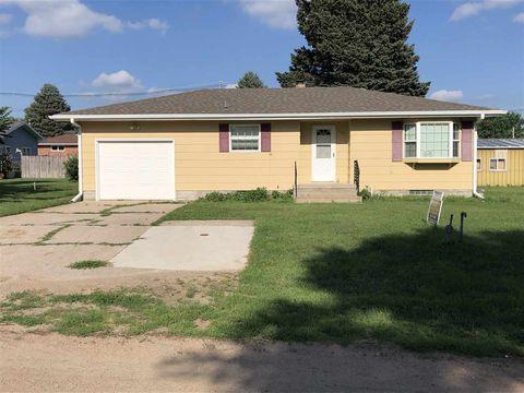 905 T St, Neligh, NE 68756