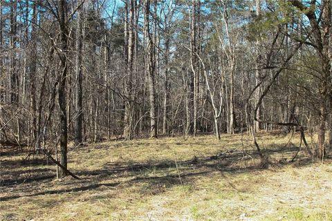 Photo of 1315 Burnetts Chapel Rd, Greensboro, NC 27406