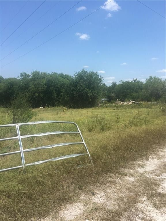 24899 Lakeview Cir/county Rd # 360, Mathis, TX 78368