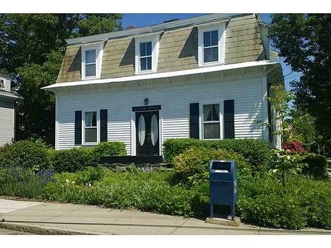 24 Van Zandt Ave, Newport, RI 02840