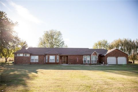 12755 S Highway 59, Lincoln, AR 72744
