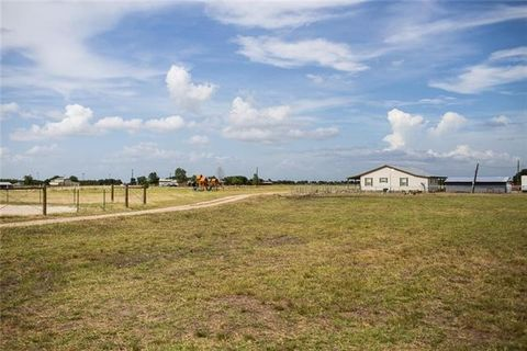 2025 County Road 460, Coupland, TX 78615