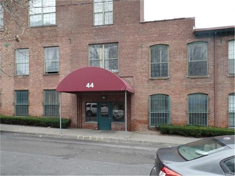 44 Johnes St Unit 303 J, Newburgh, NY 12550