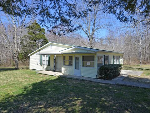 Photo of 157 Davis Rd, Sunbright, TN 37872