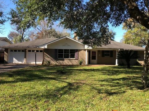Photo of 1675 Howell St, Beaumont, TX 77706