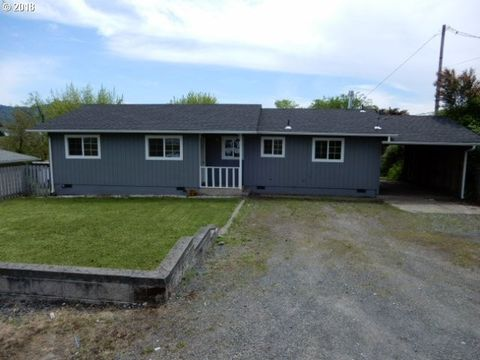 240 Nw Lost Ln, Winston, OR 97496