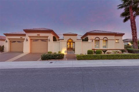 Las vegas nv houses for sale with swimming pool for Las vegas homes for sale with swimming pool
