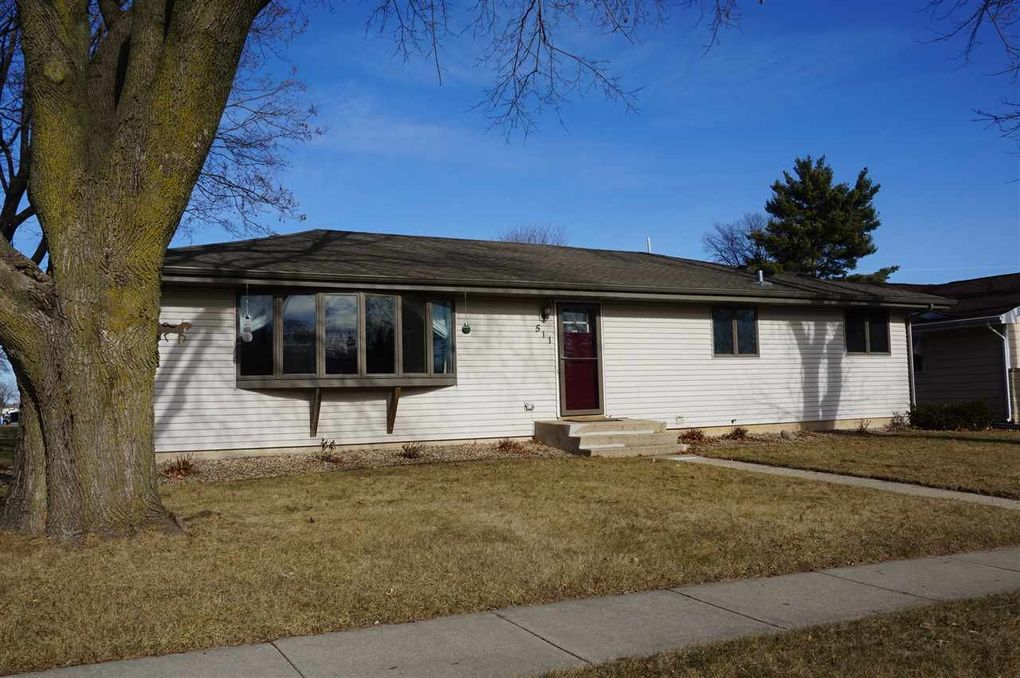 511 5th St, Waunakee, WI 53597 - realtor.com® Waunakee Remodeling Home Improvements on landscaping remodeling, inside out remodeling, exterior home remodeling, mobile home remodeling, do it yourself remodeling, bathroom remodeling,