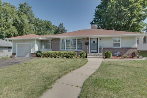 1529 Iowa Ave W, Falcon Heights, MN 55108