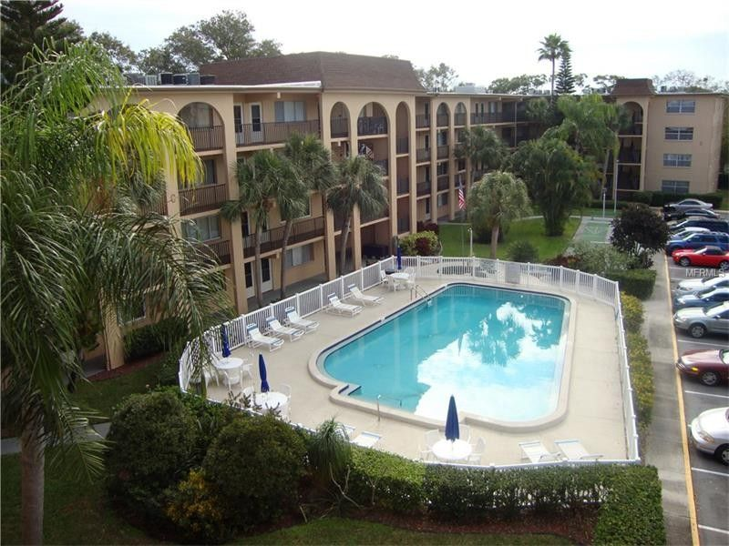 2525 West Bay Dr Apt D30 Belleair Bluffs, FL 33770
