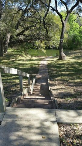 Photo of 1570 E Curtis Bourn Rd, Crystal City, TX 78839
