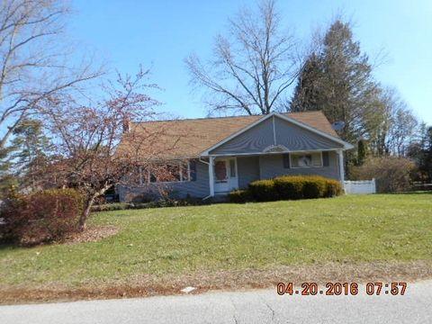 17 Jacobie Rd, South Glens Falls, NY 12803