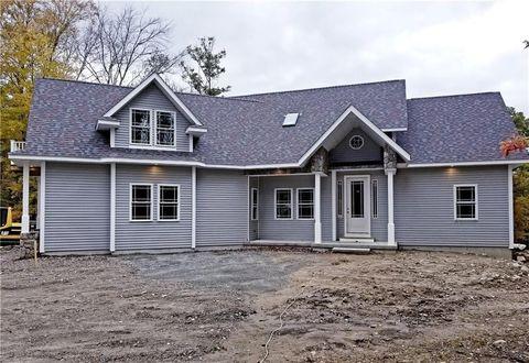 Photo of 229 Chestnut Oak Rd, Glocester, RI 02814