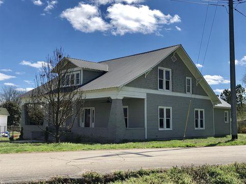 Photo of 102 Vine St, Lynnville, TN 38472