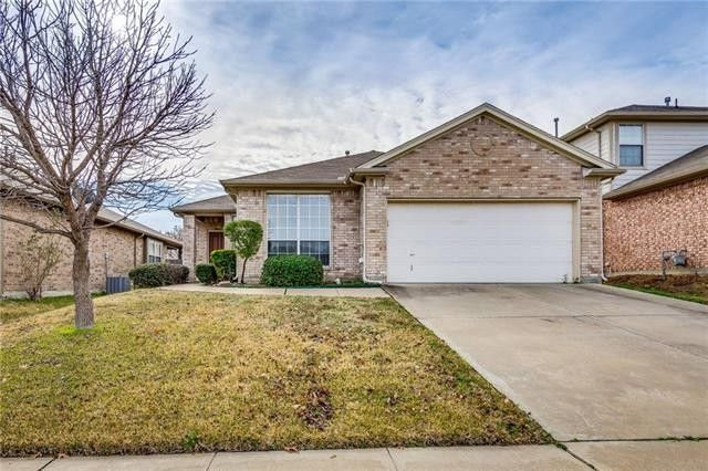 2804 Morning Star Dr, Fort Worth, TX 76131