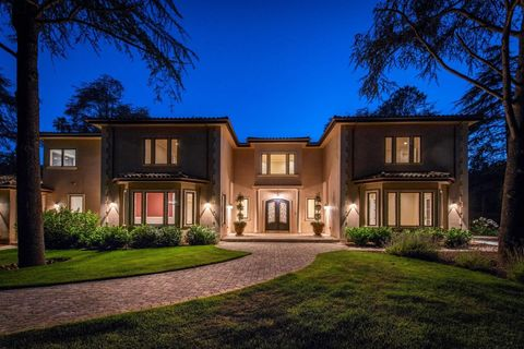 Photo of 12501 Zappettini Ct, Los Altos Hills, CA 94022