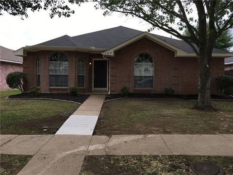 Photo of 2816 Saint Johns Ave, Lancaster, TX 75146