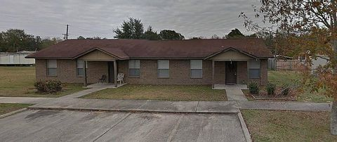 Photo of 606 Jennifer Ann St, Jeanerette, LA 70544