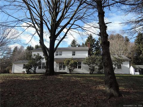 2 Orchard Rd, Woodbridge, CT 06525