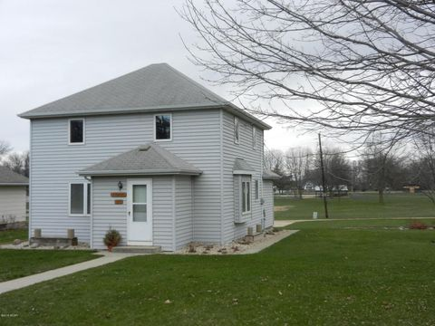 520 Mill St, Currie, MN 56123