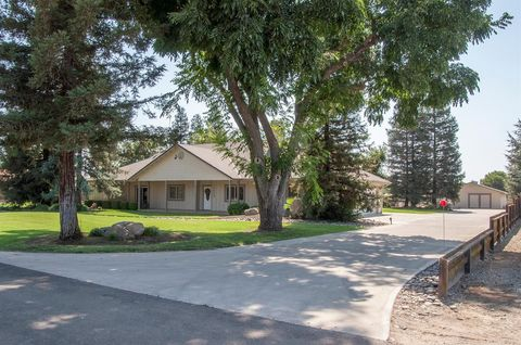 Photo of 1536 W Marinette Ave Unit A, Exeter, CA 93221
