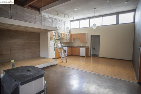 Photo of 2112 West St Unit 1, Oakland, CA 94612