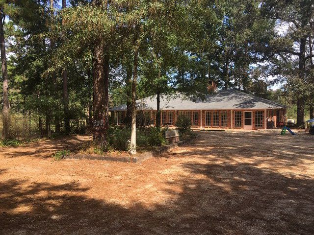 1011 Griffin Rd, Magnolia, MS 39652