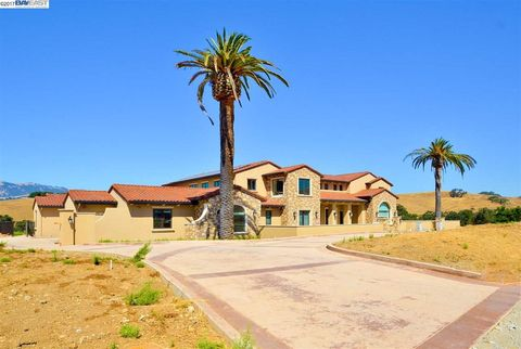 Photo of 7788 Laguna Heights Ct, Sunol, CA 94586