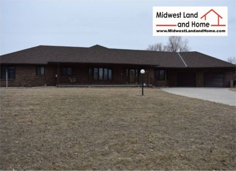 Photo of 1405 N 16th St, Marysville, KS 66508