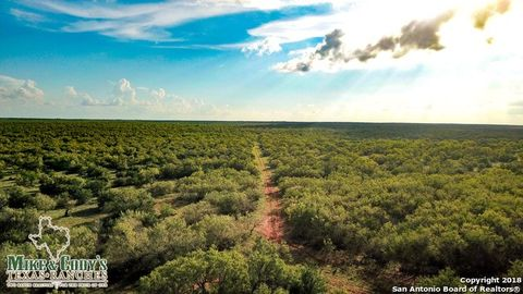 Photo of County Road 4725 Jack Penn Rd, Dilley, TX 78017