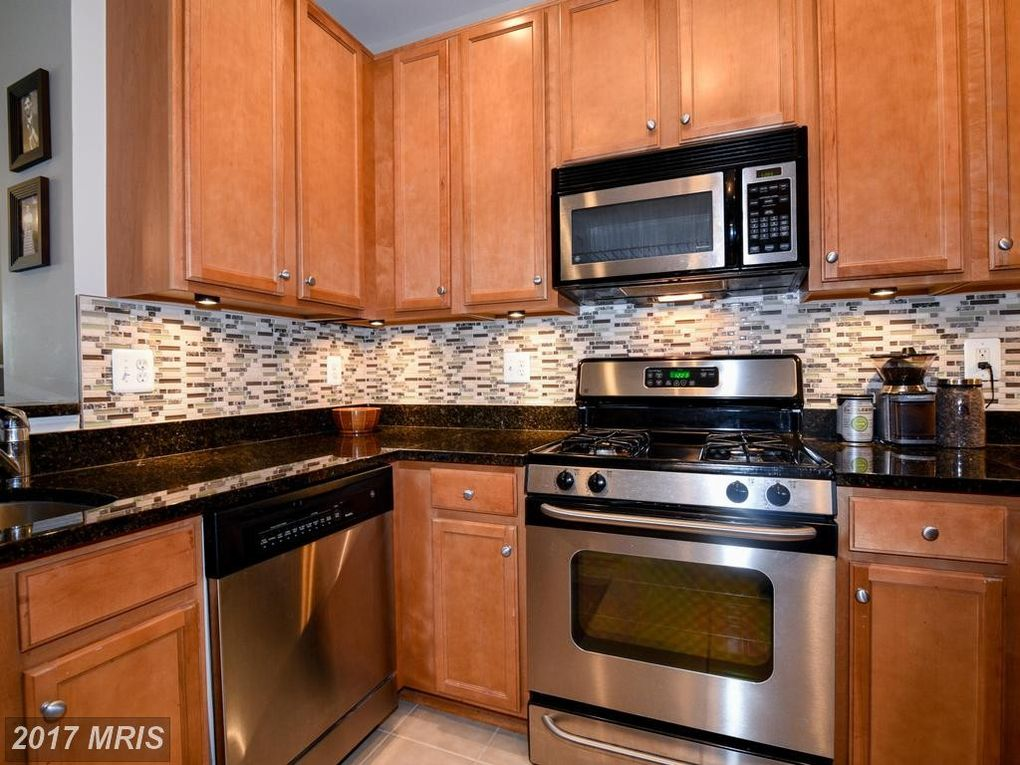 North Point Dr Apt Reston VA Realtorcom - North point apartments reston