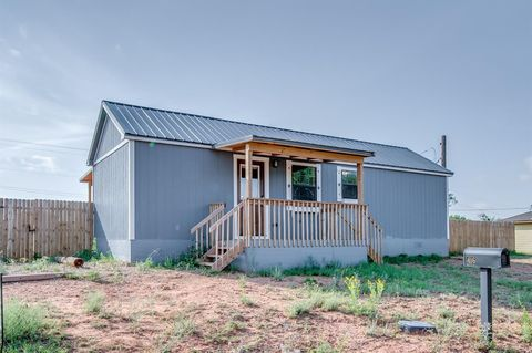 Photo of 416 Sterley Ave, Spur, TX 79370