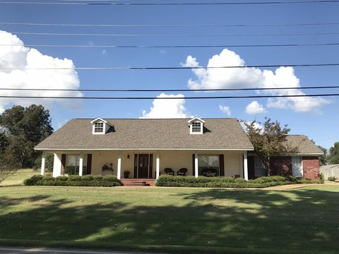 101 Meadow Ln, New Albany, MS 38652