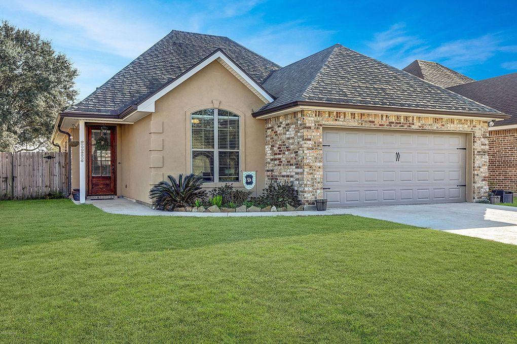 419 Milton Estates Ln, Youngsville, LA 70592