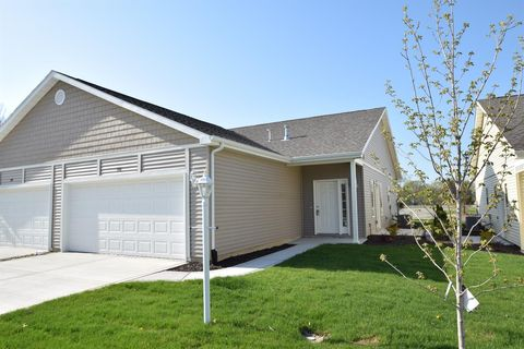 Photo of 106 Summertree Dr, Porter, IN 46304