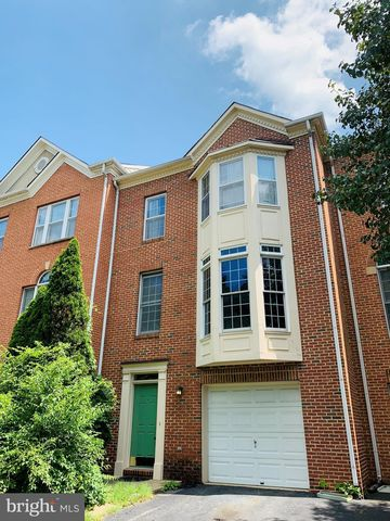 Photo of 562 Winding Rose Dr, Rockville, MD 20850
