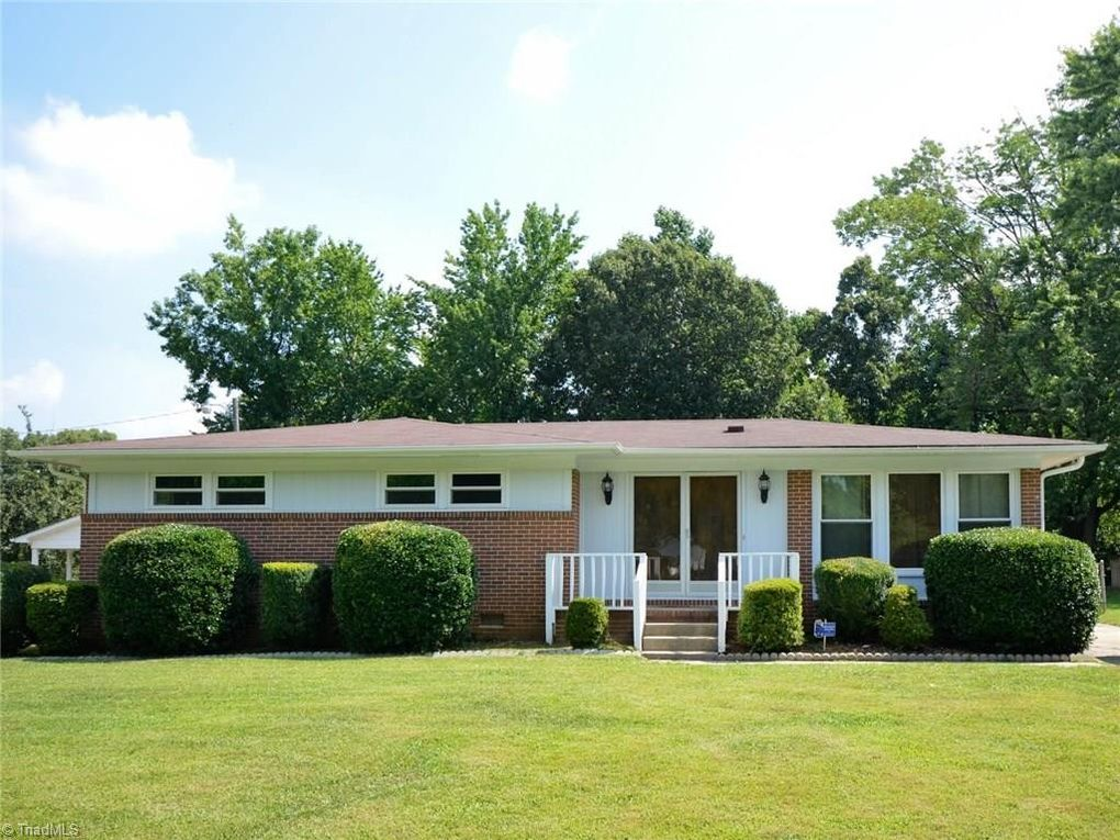 4203 Queen Beth Dr, Greensboro, NC 27405