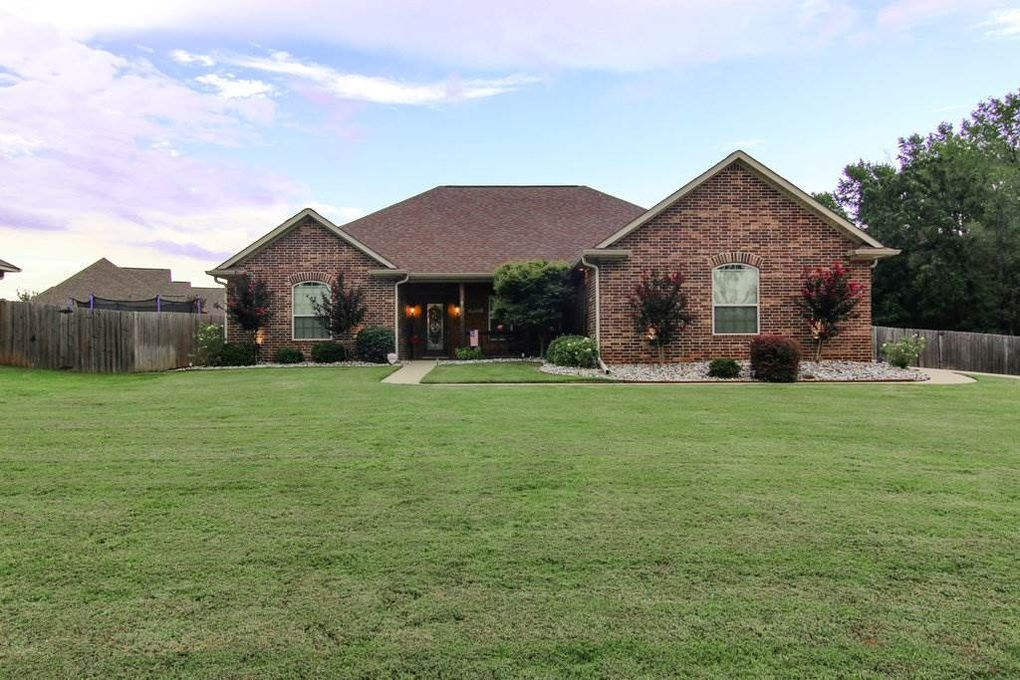 17 Coppercreek Cir, Texarkana, TX 75503
