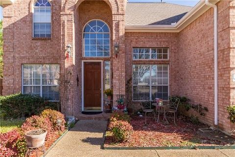 110 Whitney Dr, Hickory Creek, TX 75065