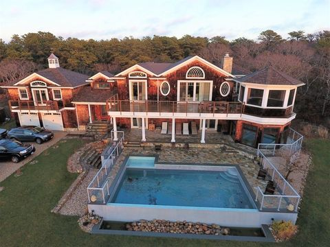 90 Napeague Harbor Rd, Montauk, NY 11930