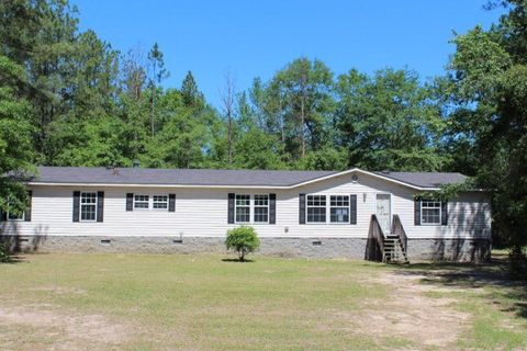 2707 Pine Forest Dr, Dearing, GA 30808