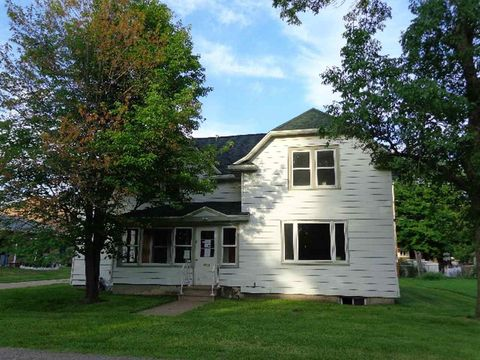 217 1st St, Stevens Point, WI 54481