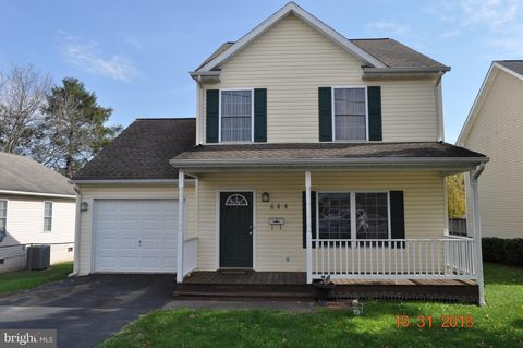 644 Jefferson Ave, Charles Town, WV 25414