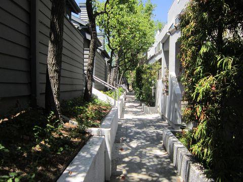 Photo of 279 E Glenarm St Apt 9, Pasadena, CA 91106