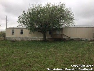 Photo of 39 County Road 402, Floresville, TX 78114
