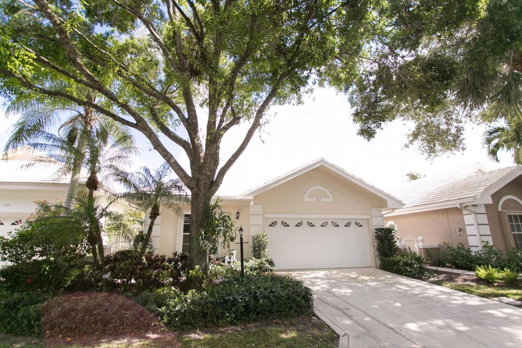 287 Canterbury Dr W, Palm Beach Gardens, FL 33418